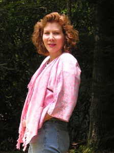 mediakit_authorphoto_beneathathousandappletrees